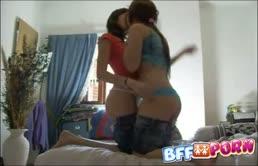 Ragazze lesbiche molto porche
