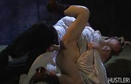 Dracula chiava hard la giovane troia